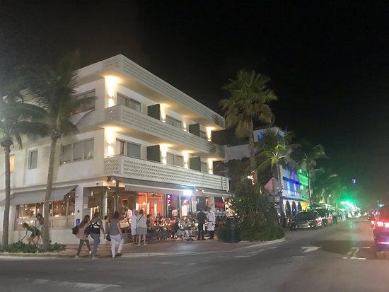 Art Deco District Tours Miami Beach Fl