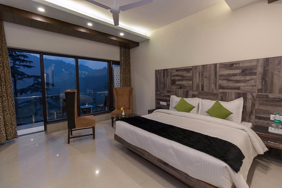 Room Seven Servies.Dazzling Location With Ravishing Services Review Of Hotel