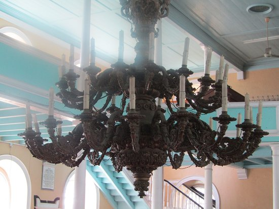Kingstown, St. Vincent: Candles in the chandelier