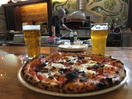 Menomonie, WI: Pizza and Beer