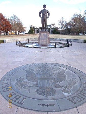 Abilene, KS: Statue of IKE with Presidential Seal