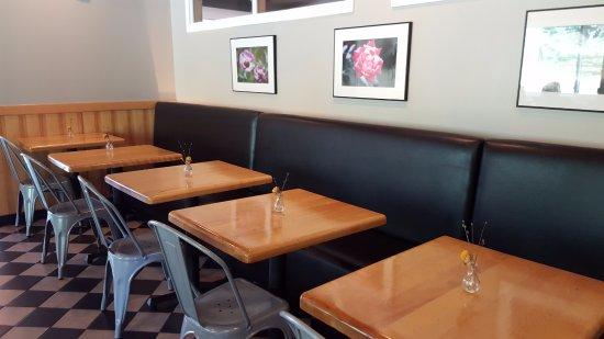 เพลนวิลล์, คอนเน็กติกัต: Dining Area