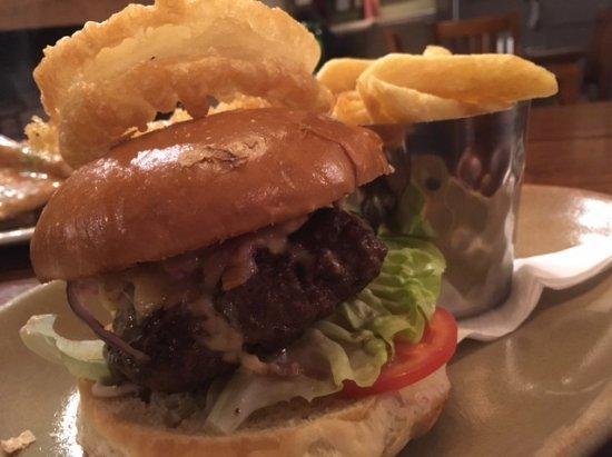 Charnock Richard, UK: Classic cheeseburger with bacon & chips