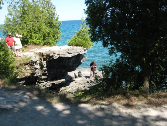 Sturgeon Bay, WI: Many low bluffs (several having possible 12 foot falls)