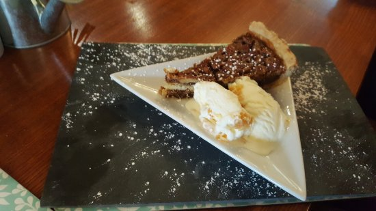 The Lion Hotel: Pecan Pie