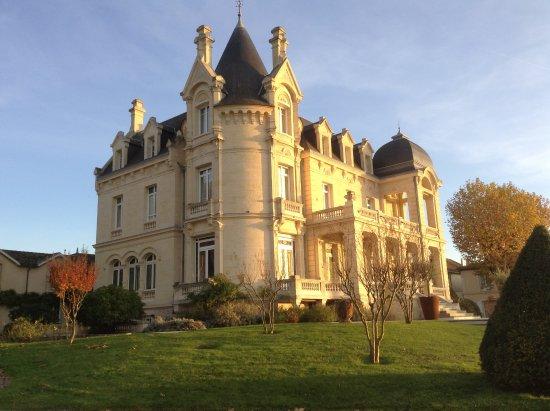 chateau grand barrail saint emilion france hotel reviews photos price comparison. Black Bedroom Furniture Sets. Home Design Ideas