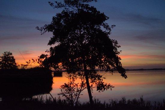 Massarosa, Italy: tramonto sul lago
