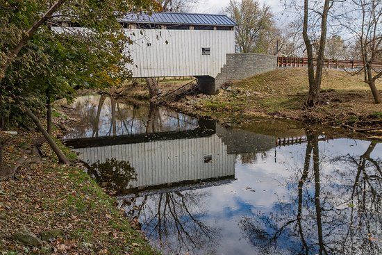 Lititz, Pensilvania: Reflection of Keller's Mill CB