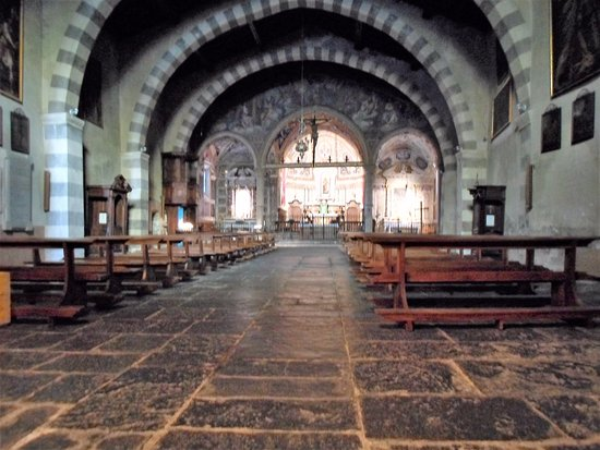 Torno, Italien: Interno chiesa di San Giovanni