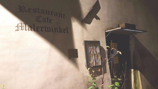 Malerwinkel: Eingangsbereich des Restaurants