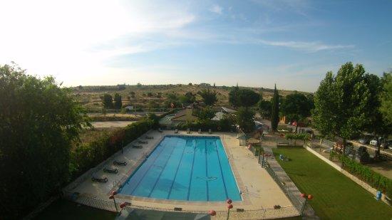 Vista a rea de la piscina de adultos picture of camping - Piscina villaviciosa de odon ...