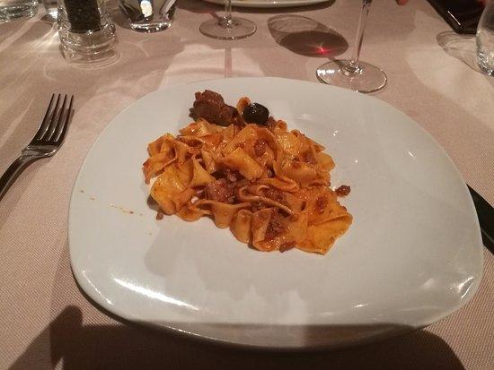 Monte Antico, Itália: pappardelle al sugo di cinghiale