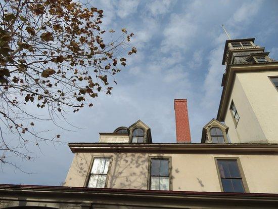 Hammonton, NJ: November at Batsto Mansion