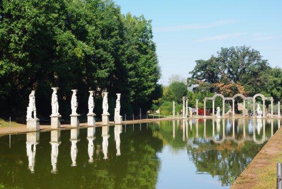 Tivoli Les Jardins De La Villa D Hadrien Photo De Rome Latium