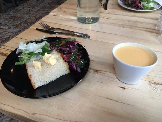 Jyväskylä, Finland: パンがおいしい。スープは若干ミルキー
