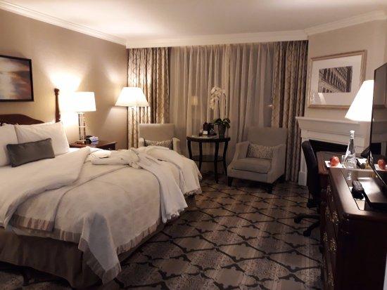 Magnolia Hotel And Spa Photo