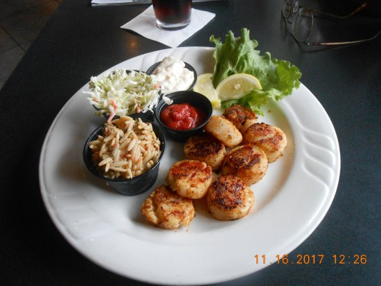 Blacken scallops bild fr n fish tale grill by merrick for Fish tales cape coral