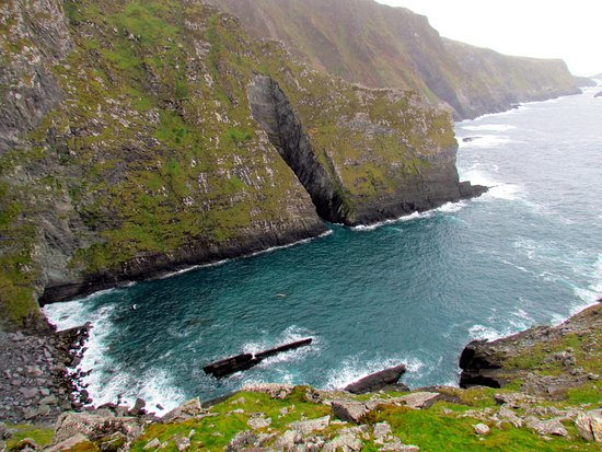 Portmagee, İrlanda: Dramatic cliffs