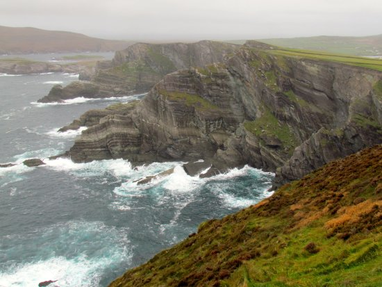 Portmagee, İrlanda: Pounding surf