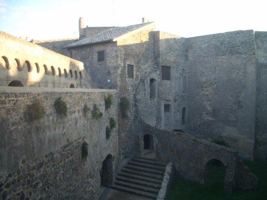 Bracciano, Ιταλία: panorama del castello