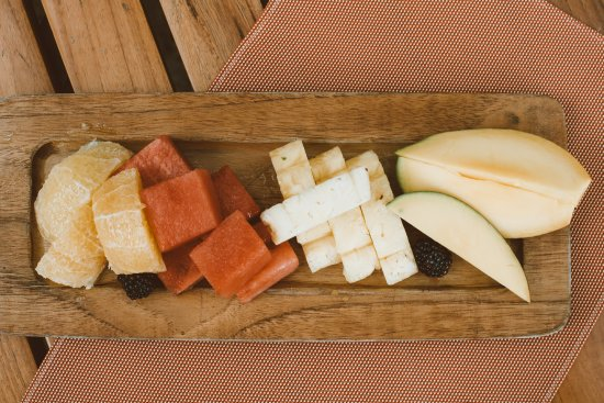 El Mirador Bar & Restaurant: fresh fruit at breakfast