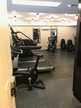 Iselin, NJ: Fitness Center