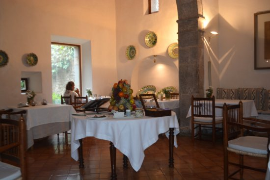 Finca Hotel Son Palou: Although we always ate outdoors this is the inside dining room.