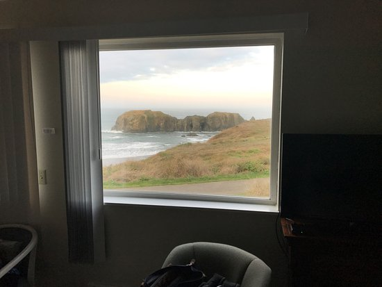 Bandon Beach Motel: There is nothing between the window and the water/beach to obstruct the view