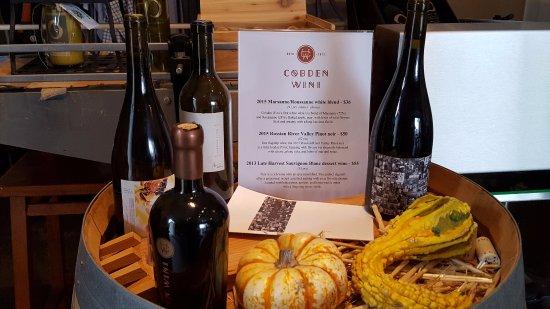 O'Brien Estate Winery: Wine store
