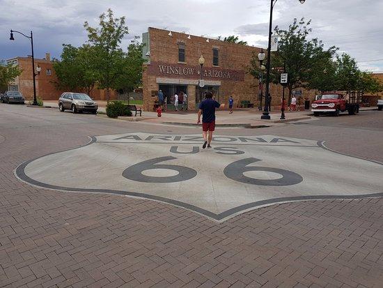 Winslow, AZ: road