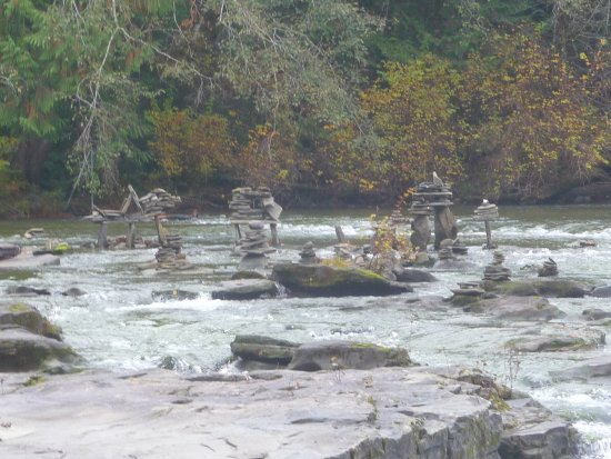 Courtenay, Canadá: fun stone pilings.