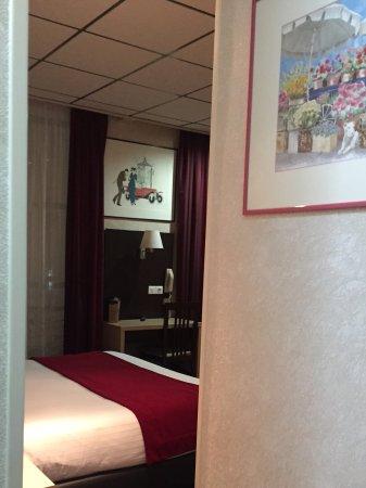 Hôtel Des Trois Gares Photo
