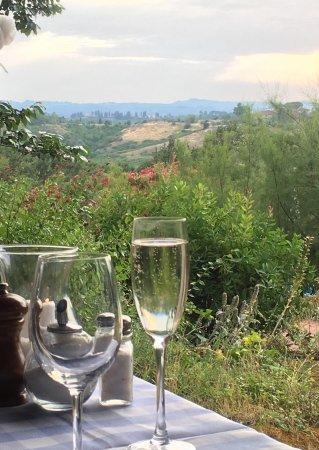 Кастельфьорентино, Италия: View from our dining table.