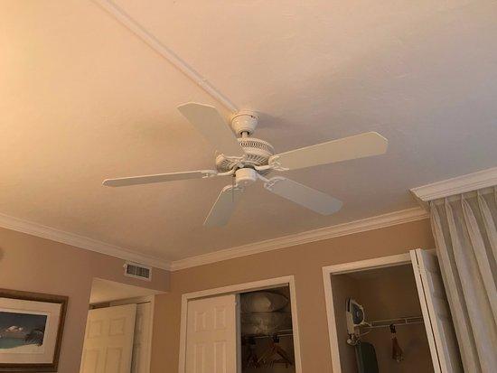 Sundial Beach Resort U0026 Spa: Killer Ceiling Fan In The Bedroom