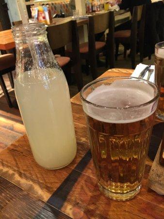 Rigtig gode drinks, middelmådig mad