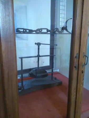 Forte di San Leo: strumenti di tortura