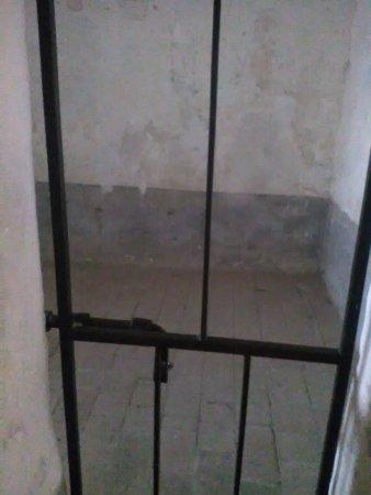 Forte di San Leo: cella papalina