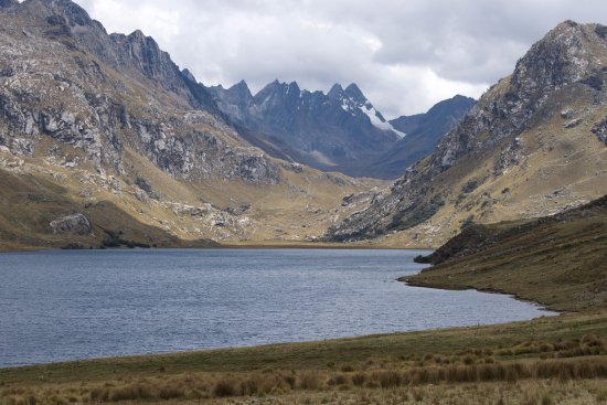 Recuay, Perù: Vista de la laguna