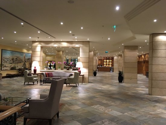 hall d 39 entr e picture of intercontinental jordan amman tripadvisor. Black Bedroom Furniture Sets. Home Design Ideas