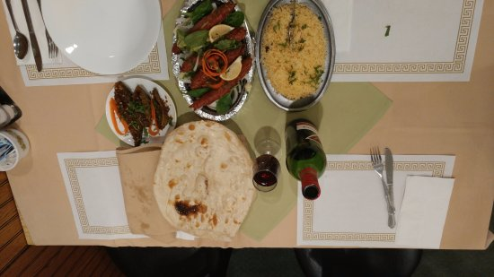 Sangam Indian Cuisine: Best fresh lamb seekh kabab,naan and red wine.