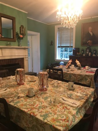 Warrenton, VA: Random views of Chilton House breakfast, grounds, library, guests, dining room, Innkeeper, 1820s