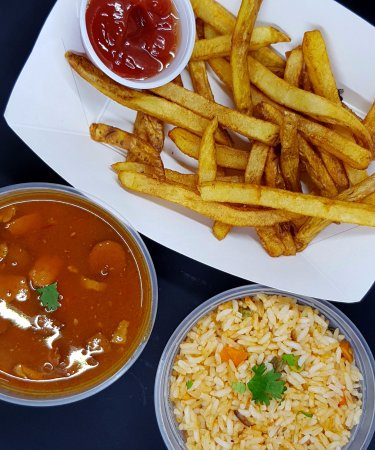 Gainesville, Джорджия: Handcut fries, Mexican Rice and PInto beans