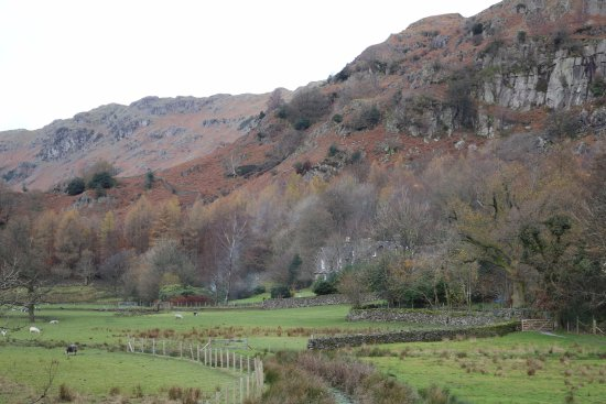 Grasmere, UK: Where the stream flows