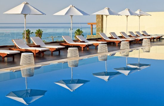Fr hst ck am pool picture of boutique 5 hotel spa for Boutique hotel 5 rhodes