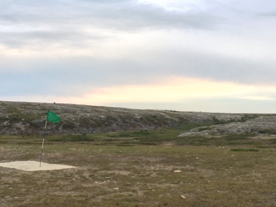Golf course in Kuujjuaq, would you believe it ? Well yes !