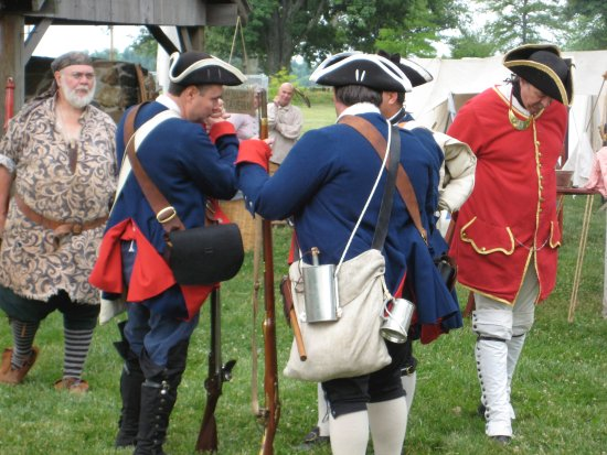 "Metropolis, IL: Re-enactors preparing for a ""battle"" at Fort Massac"