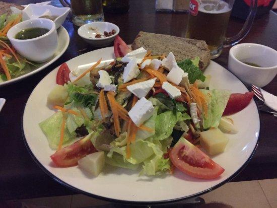 La Boulangerie-Cafe : Una tipica insalata