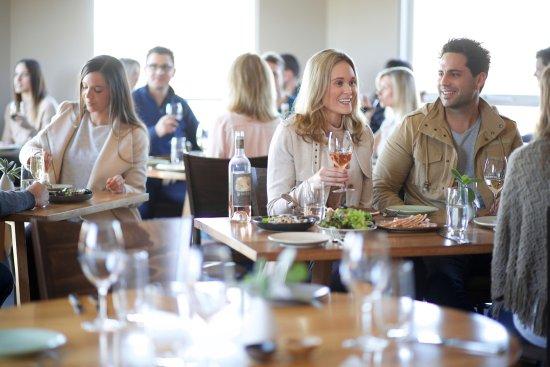 Dixons Creek, Avustralya: Dining inside Locale restaurant