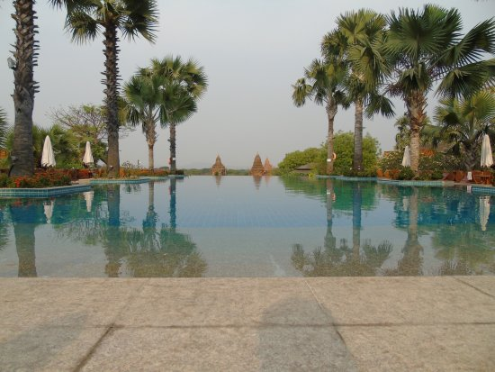 Aureum Palace Hotel & Resort Photo