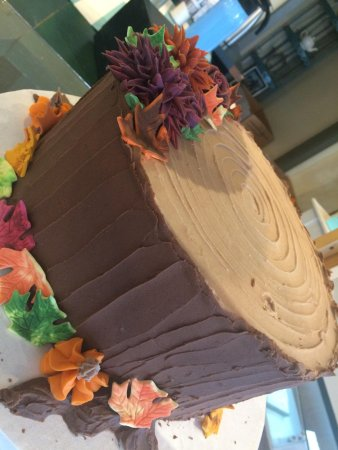 Concord Teacakes : Fall Tree stump cake